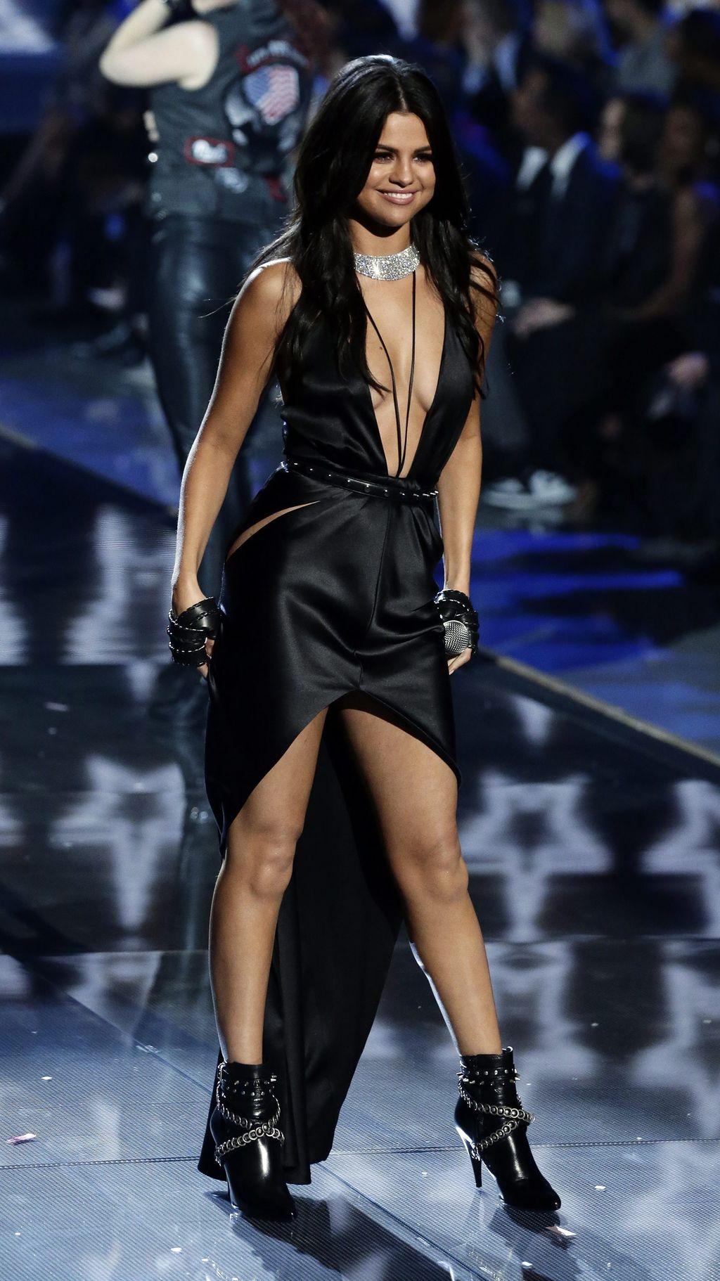 Selena Gomez Lesbian Porn Videos
