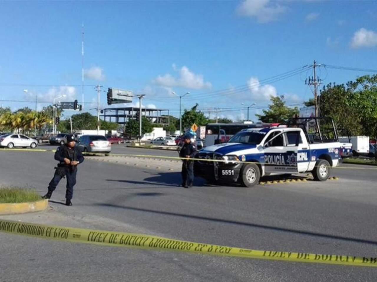 Atacan a balazos dependencias policiales en canc n for Oficina xcaret cancun