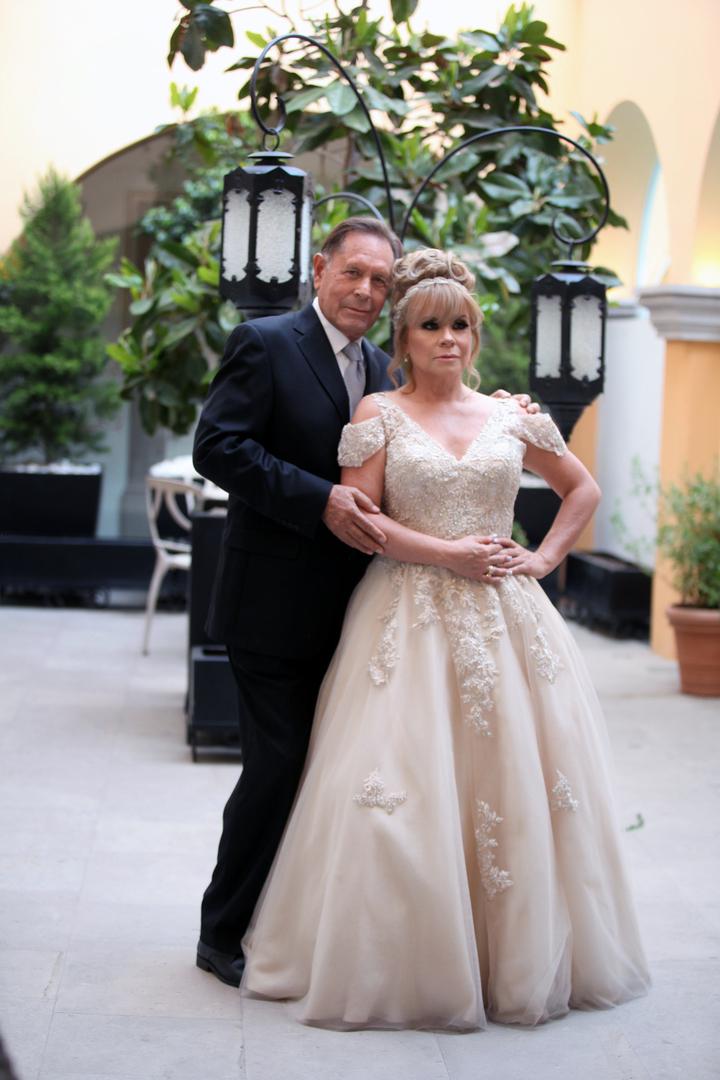 Acta De Matrimonio Simbolico : Celebran boda civil