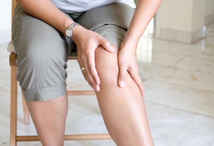 crujido rodilla dolor lateral
