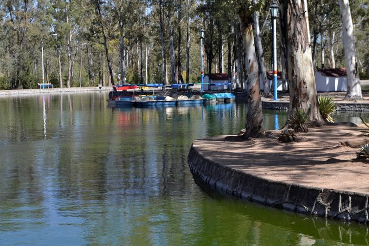 Revisa PC lanchas del lago del Parque Sahuatoba