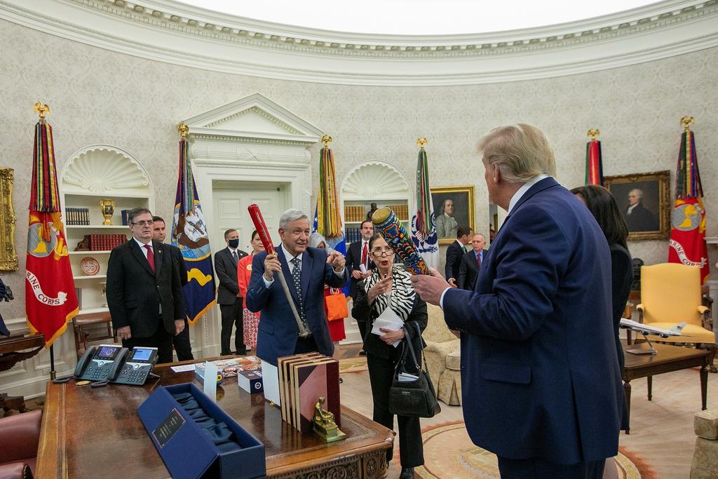 Se dan halagos AMLO y Trump durante encuentro en EUA