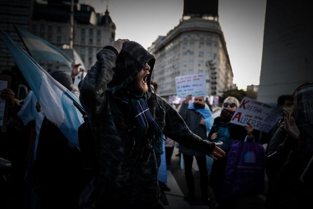 Protestan argentinos contra la cuarentena y el presidente