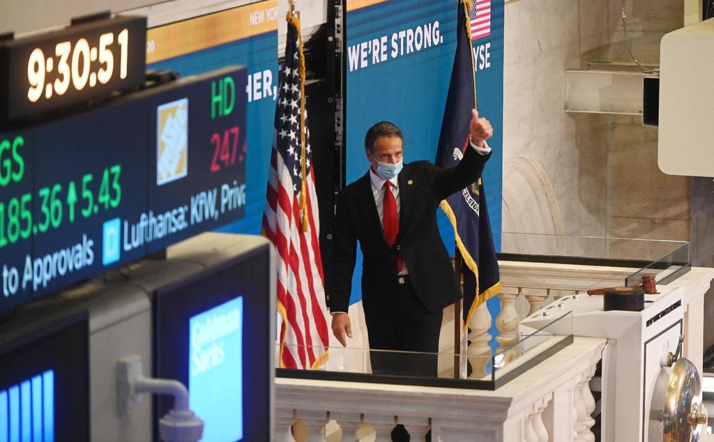 Wall Street tiene cierre positivo y Nasdaq se apunta otro récord
