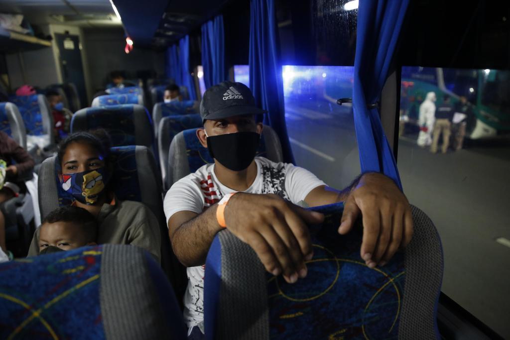 Autoridades de EUA usan pandemia para expulsar a inmigrantes