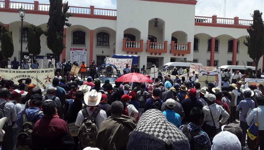 'El COVID-19 fue creado por Bill Gates'; chiapanecos protestan contra el magnate
