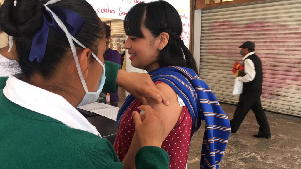 Llama IMSS a los padres de familia a completar los esquemas de vacunación