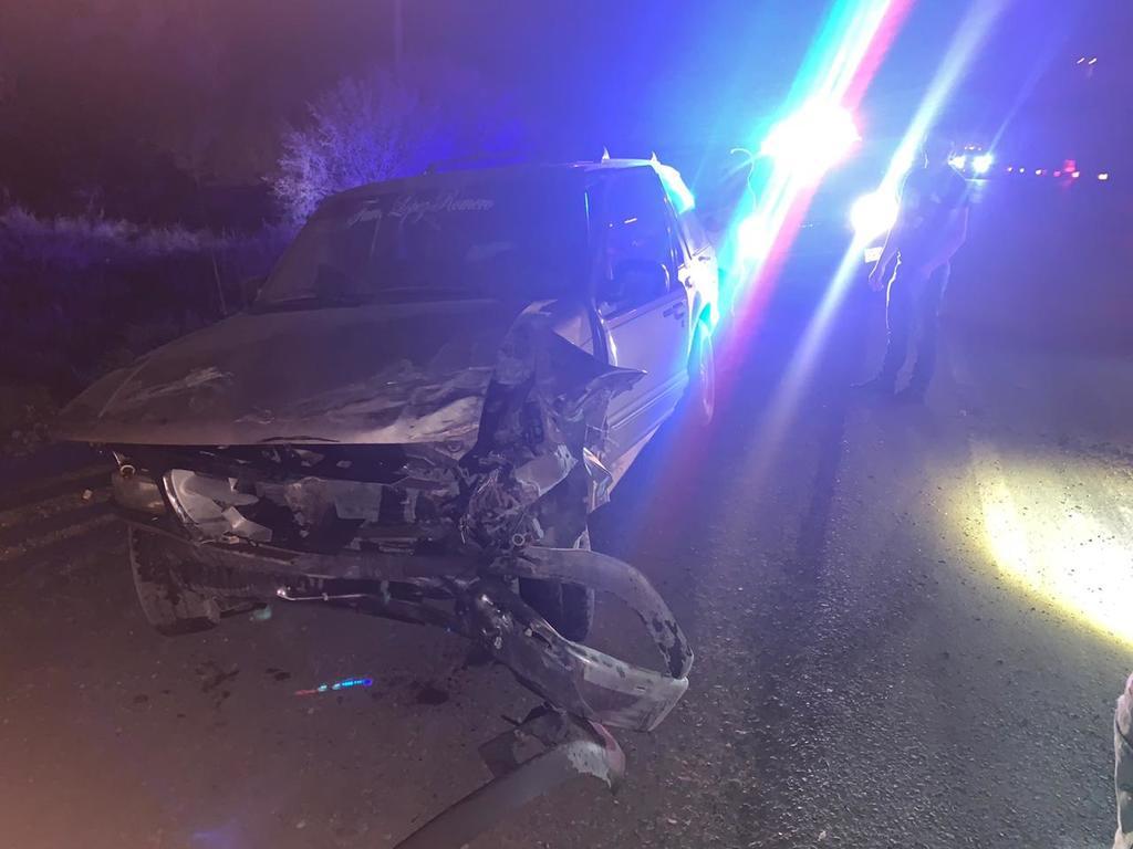 Camioneta se impacta contra tráiler en Bermejillo