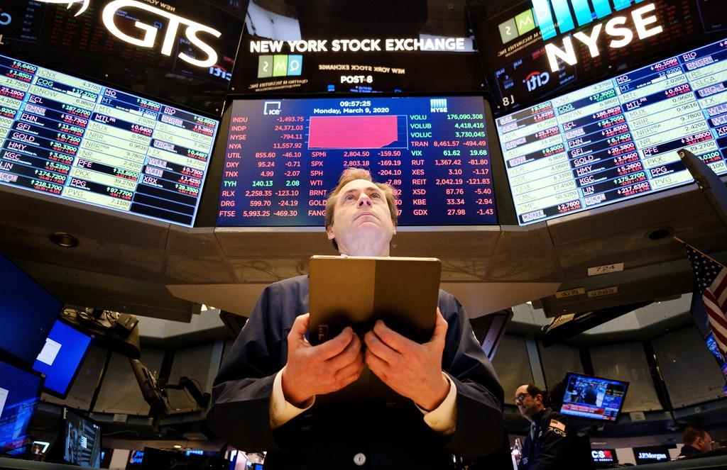 Wall Street tien cierre positivo y el Dow Jones sube un 2.13 %