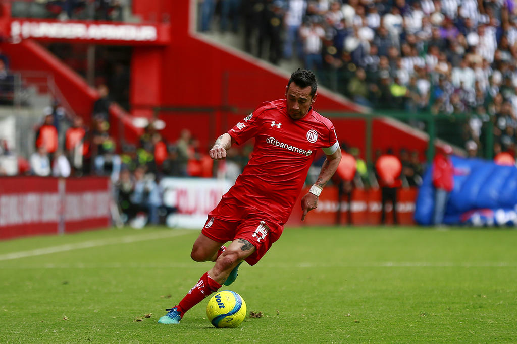 Toluca hace oficial el regreso de Rubens Sambueza