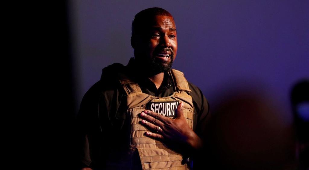 Kanye West promete 1 millón de dólares para madres y marihuana gratis