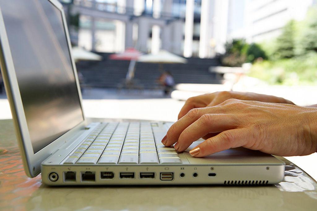 Ofrecen curso en línea para tomar mejores decisiones financieras