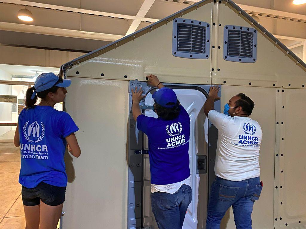 Preparan 48 casas prefabricadas para refugiados en México