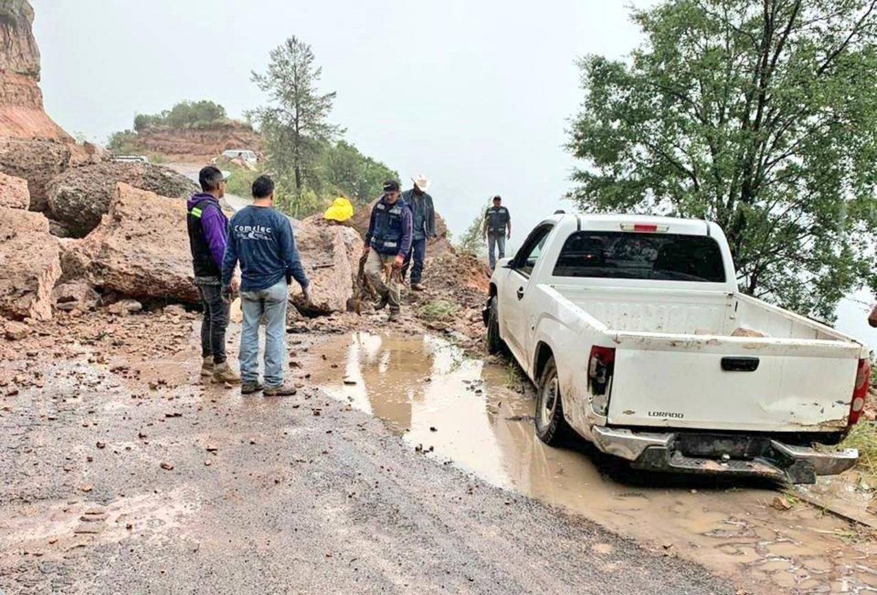 Informan sobre derrumbe en carretera Durango-Guadalajara
