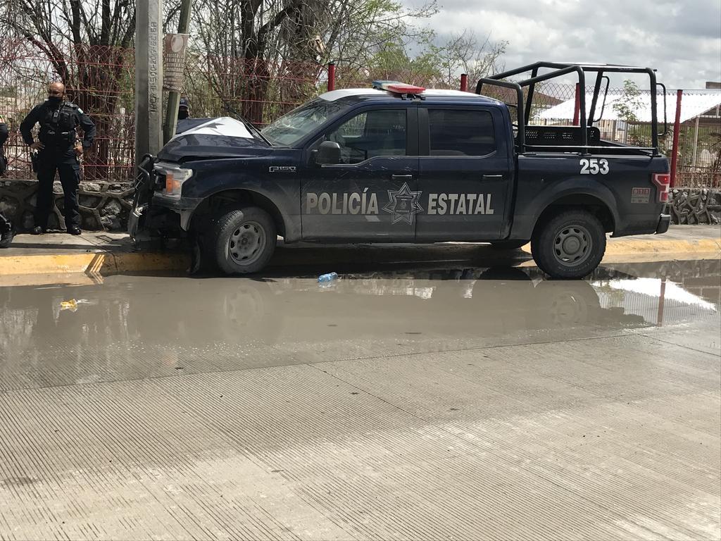 Choca patrulla de la Policía Estatal en Gómez Palacio; hay dos agentes lesionados