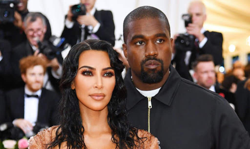 Captan a Kim Kardashian llorando junto a Kanye West en su auto