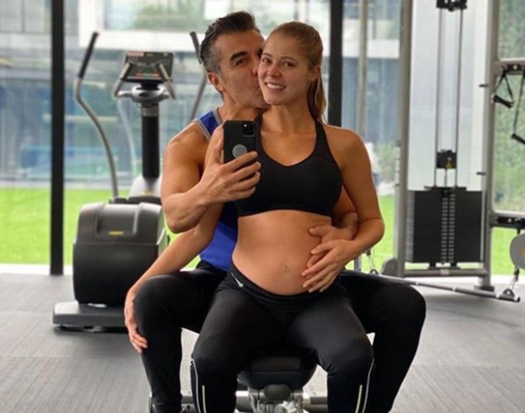 Thuamy Martins, novia de Adrián Uribe, presume su embarazo