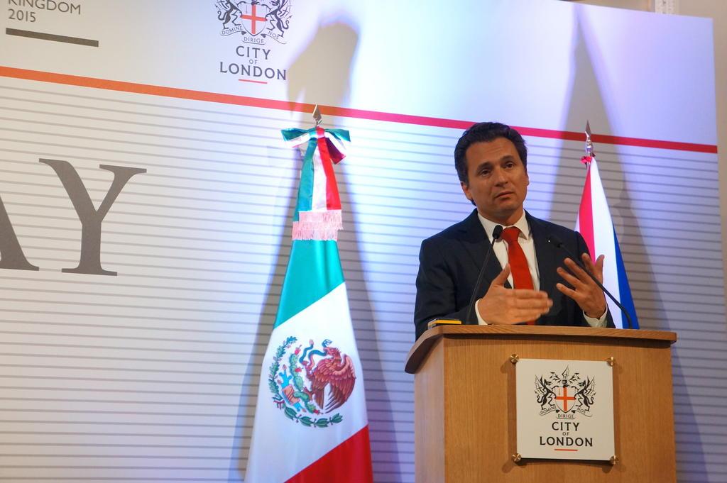 Promete Lozoya 'colaborar' con justicia, aunque denuncia 'intimidaciones'