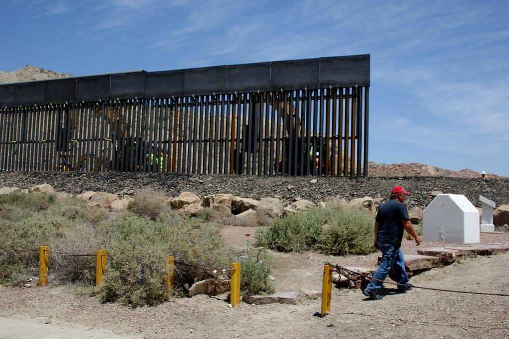 Estados Unidos niega que muro fronterizo haya sido afectado por Hanna