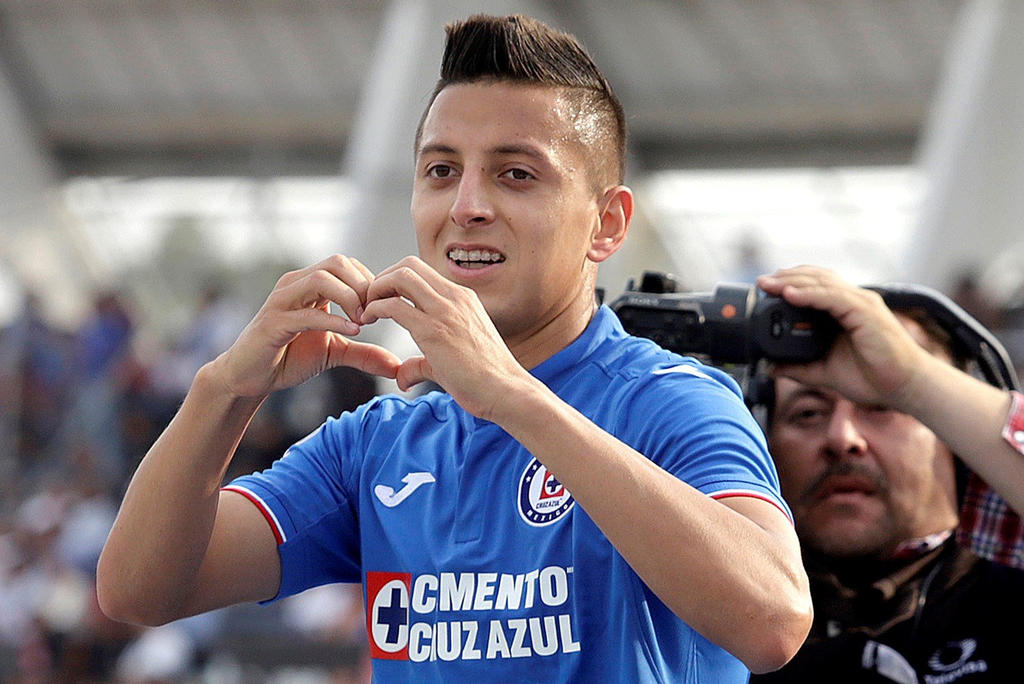 Roberto Alvarado se reincorpora con Cruz Azul