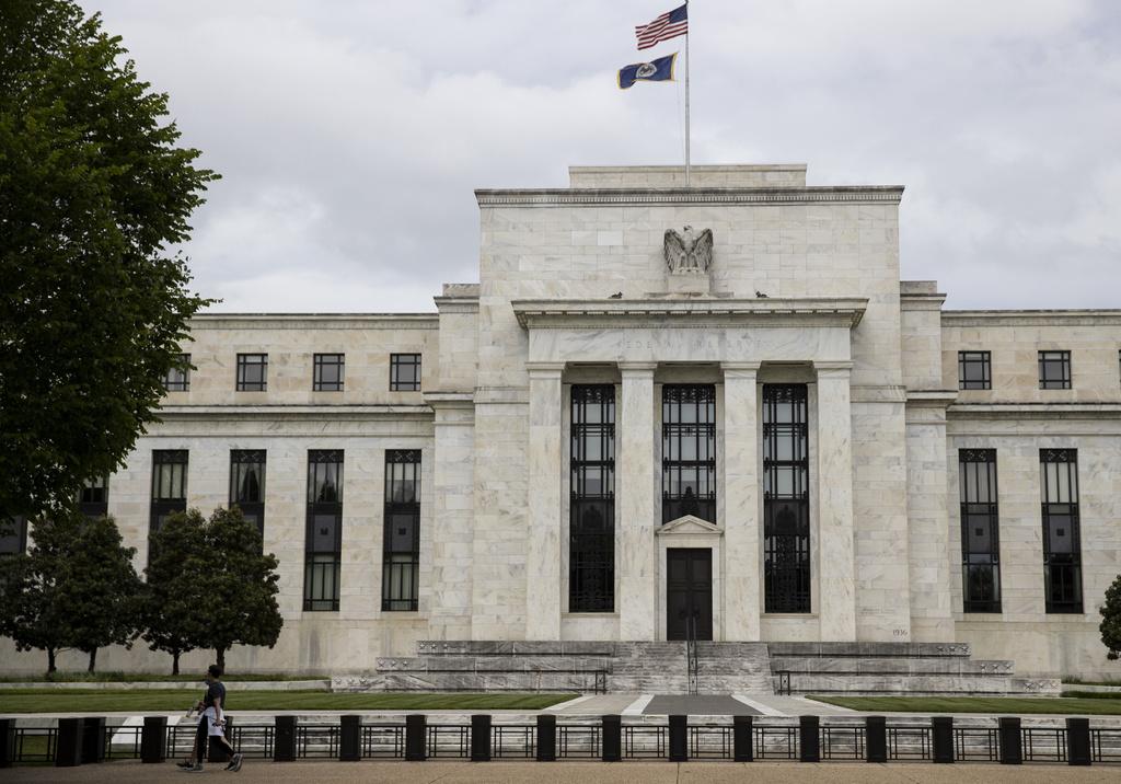 Amplía Fed tres meses más plan de crédito en EUA