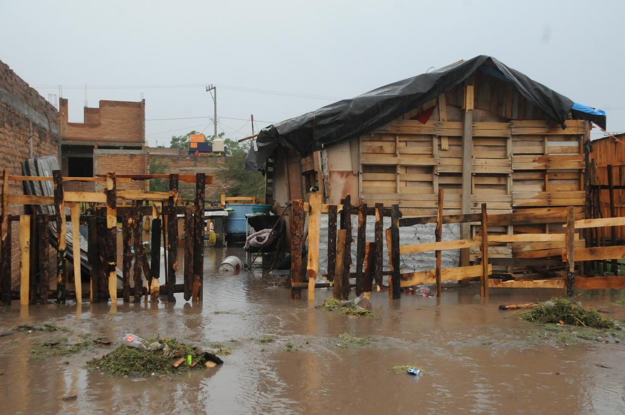 Familias en Durango carecen de agua y drenaje