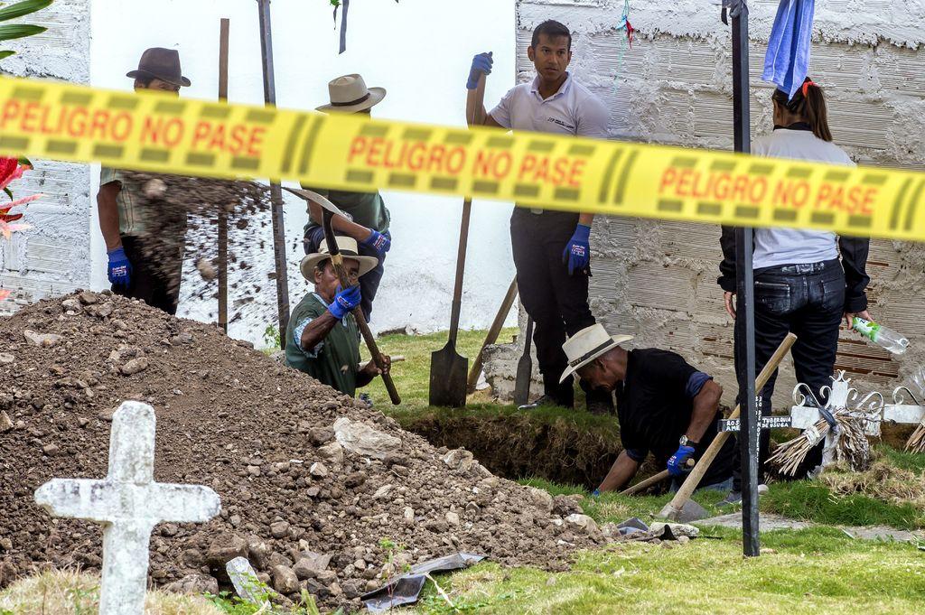 Ordenan mantener restos en cementerio colombiano