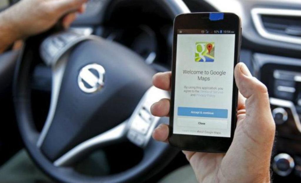 ¿Cómo encontrar estacionamiento con Google Maps?