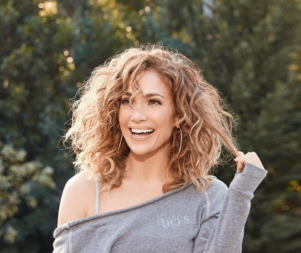 Jennifer Lopez se muestra al natural sin gota de maquillaje