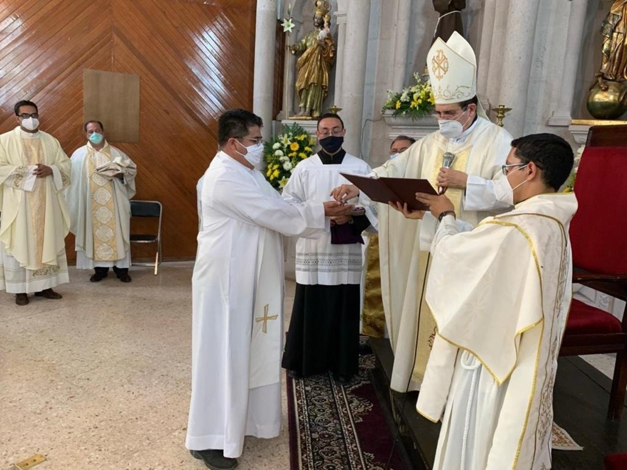 Nuevos sacerdotes en San Juan del Río y en El Palmito