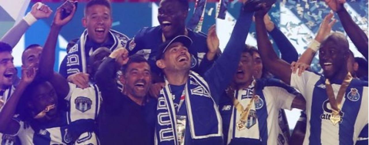 Casillas levanta la Copa de Portugal del Porto