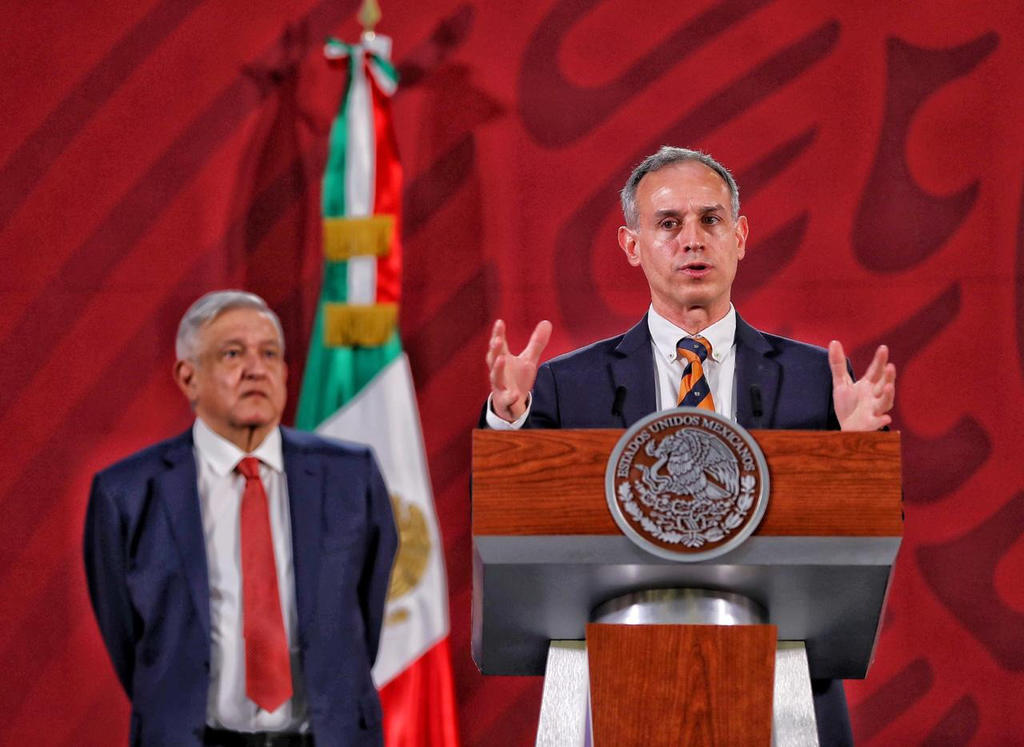 Ante solicitud de gobernadores, AMLO defiende a López-Gatell