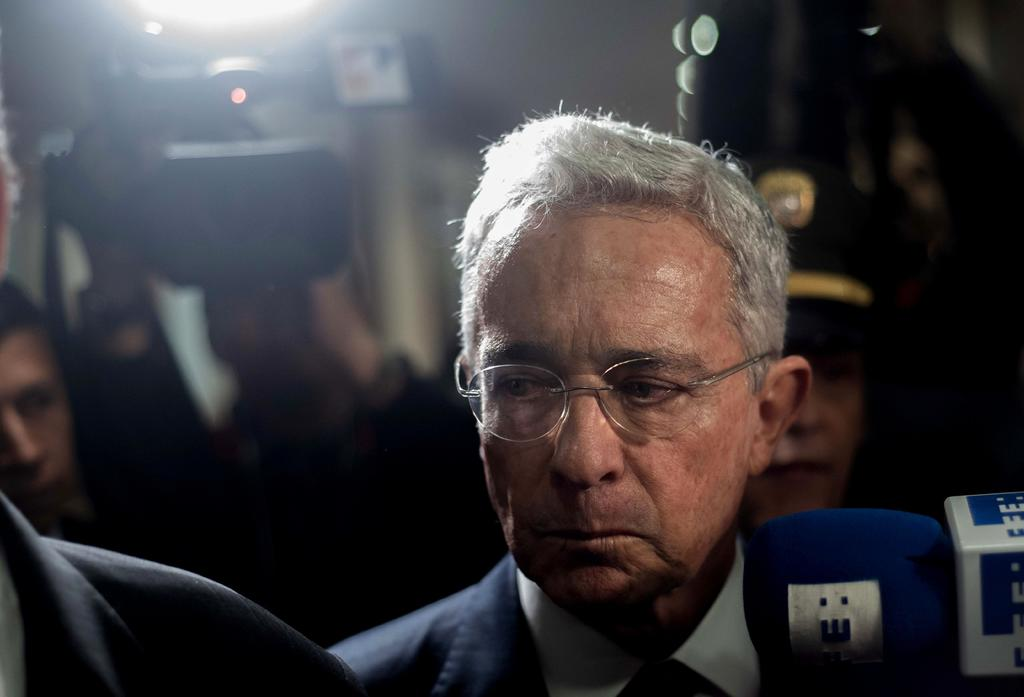 Corte Suprema colombiana ordena detención domiciliaria del expresidente Uribe