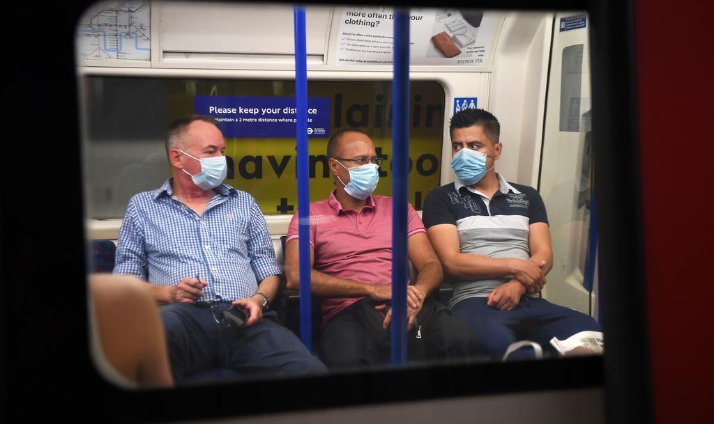 Anuncia Reino Unido que no usará 50 millones de tapabocas
