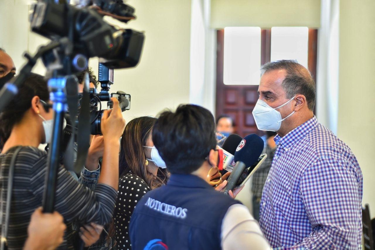 'Cortina de humo' toma de Unidad Administrativa