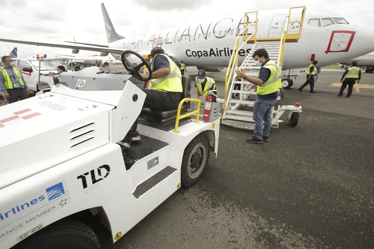 Cae 63.7% tráfico aéreo en Panamá