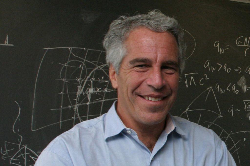 Un año después de su muerte, Epstein aún da que hablar