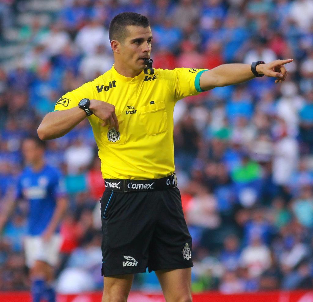 Repite árbitro Fernando Hernández ante Santos Laguna