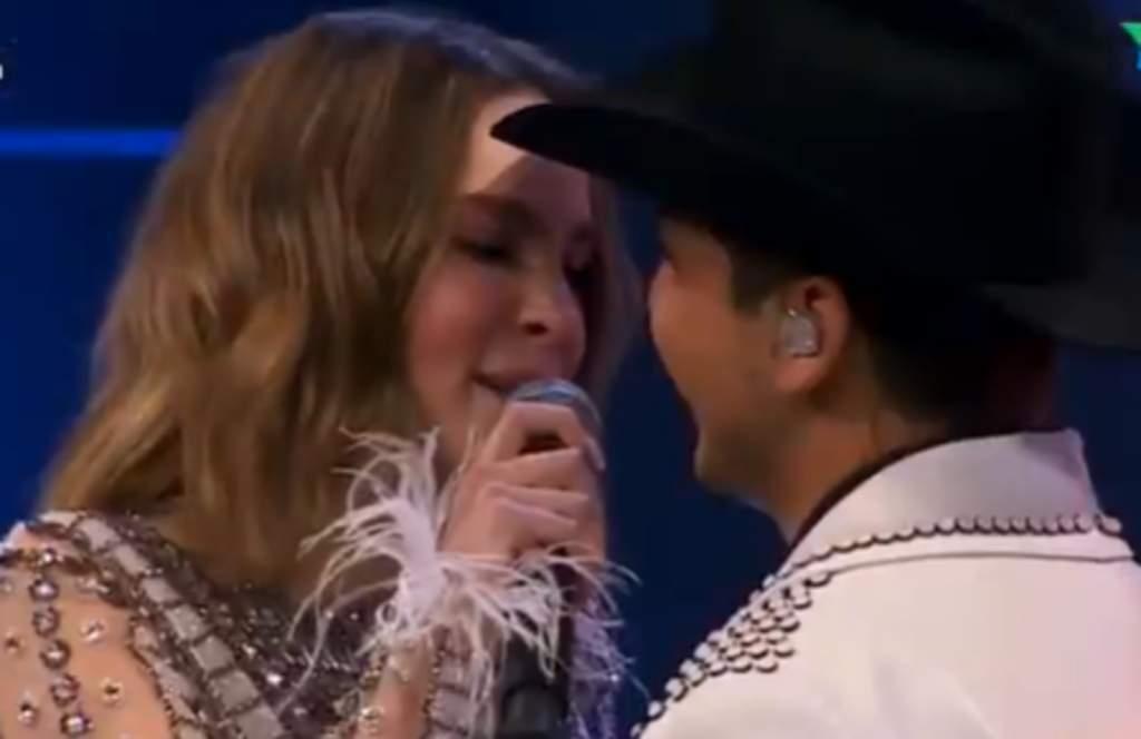 Así fue el dueto de Belinda y Christian Nodal en La Voz Azteca