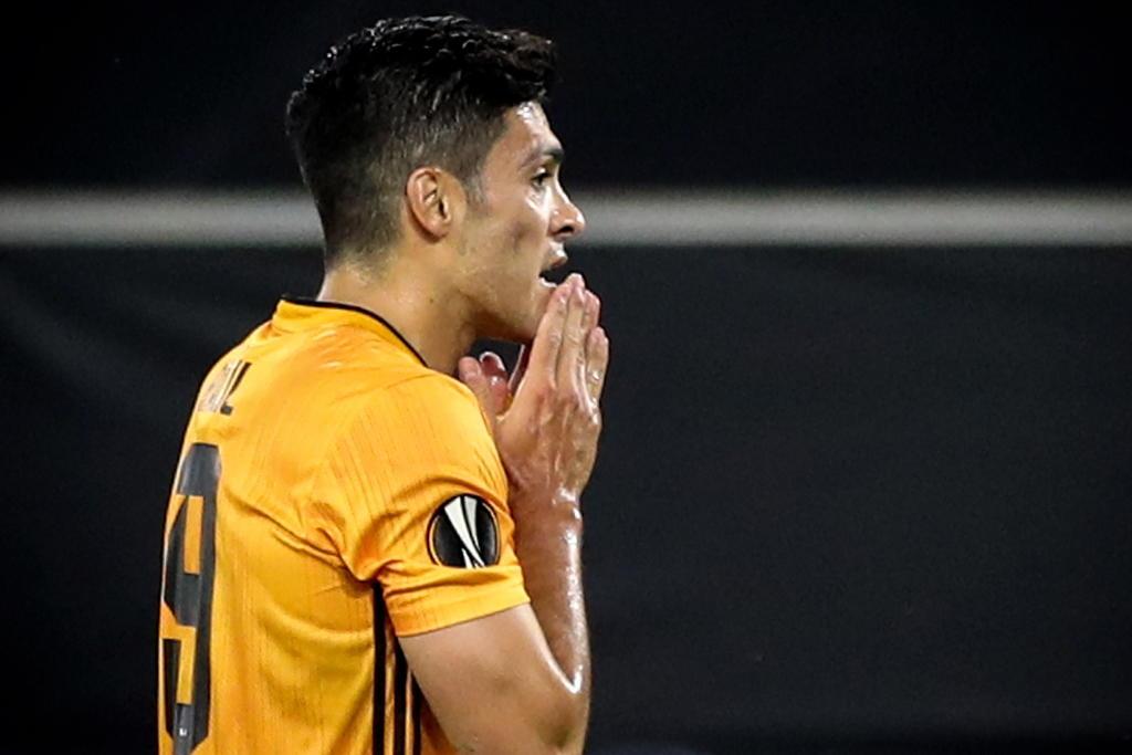 Raúl Jiménez y los Wolves son eliminados por el Sevilla en la Europa League