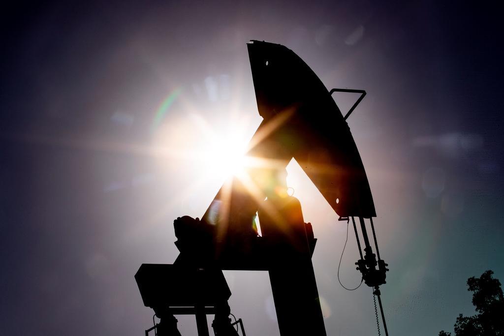 Petróleo de Texas sube un 2.5 % por caída de inventarios