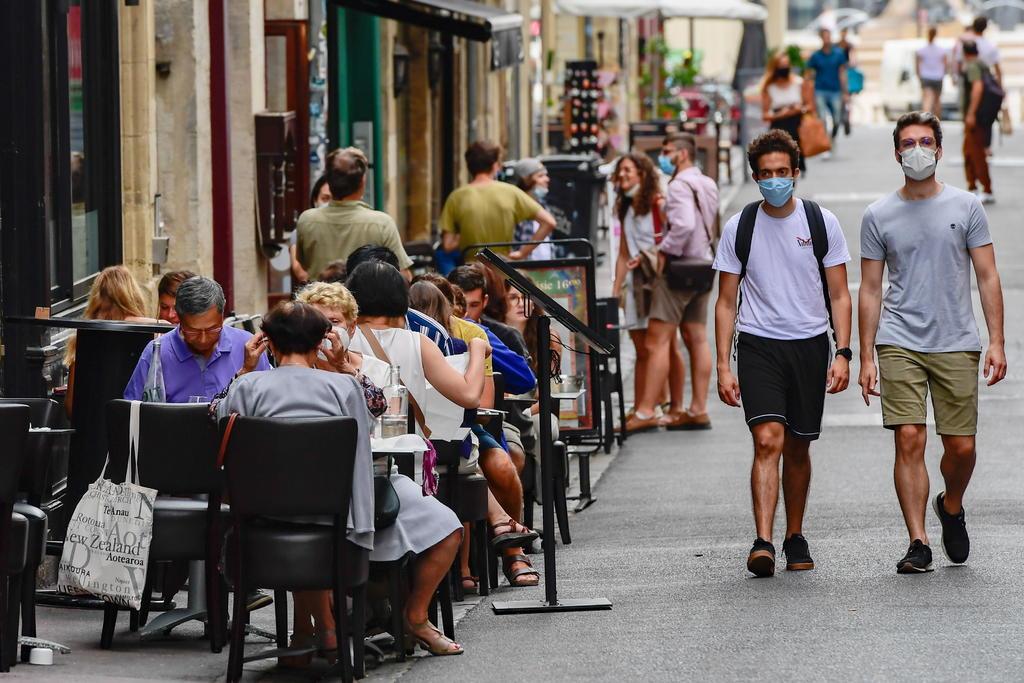Registra Francia 7,852 casos de COVID-19 en un día