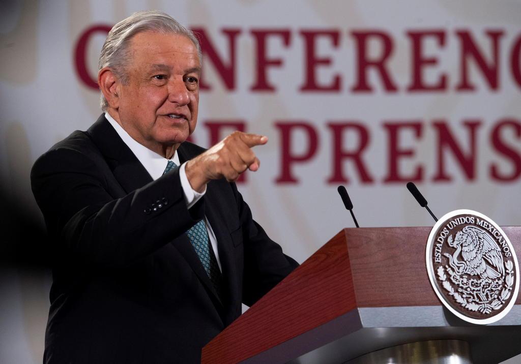 Rechaza senador morenista que López Obrador persiga a medios