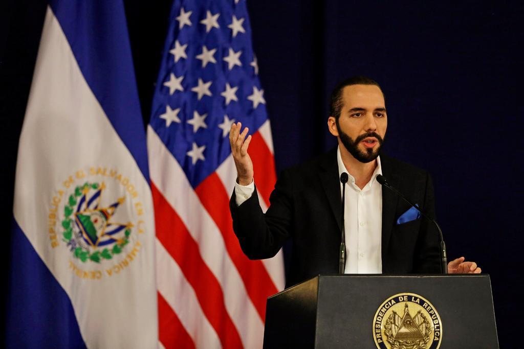Presidente de El Salvador asegura que el país no es independiente de la pobreza