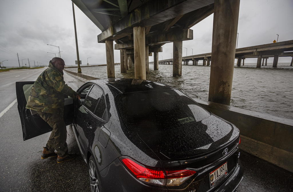 Huracán 'Sally' se debilita tras tocar tierra en Alabama