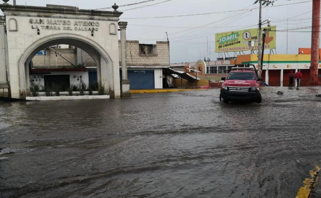 Lluvias en Valle de Toluca dejan inundaciones en Edomex