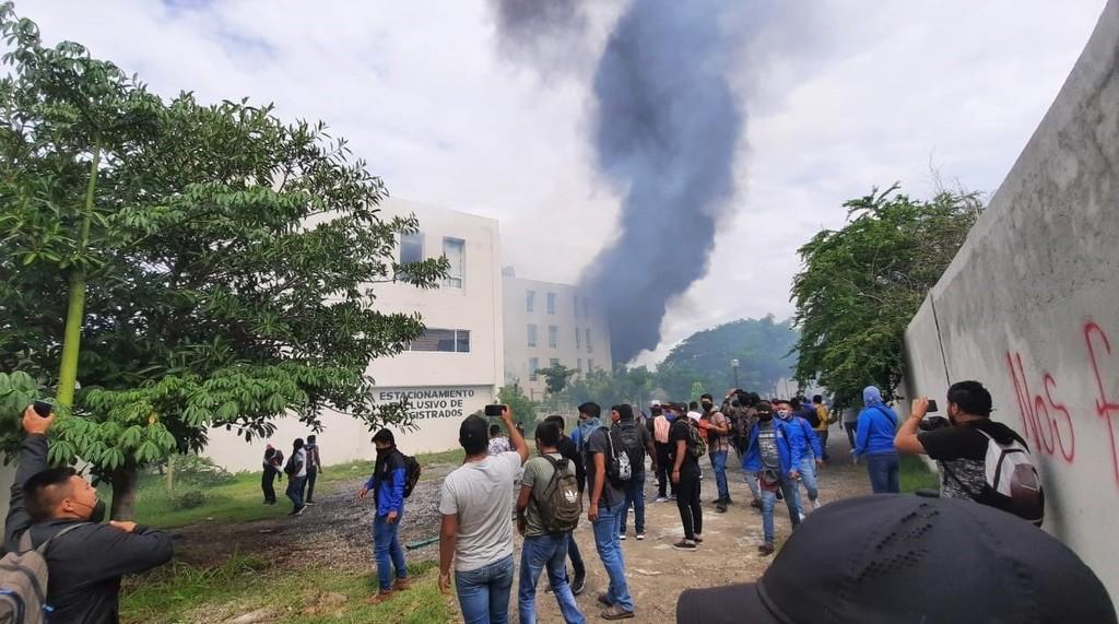 Vandalizan Palacio de Justicia de Iguala