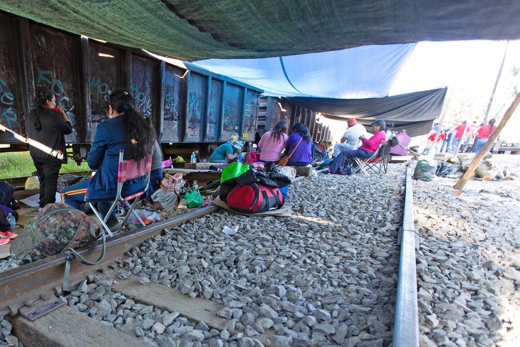 Acumulan 100 días de bloqueos a vías del ferrocarril en México
