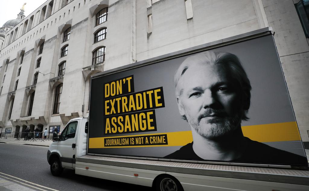 Revelan que expulsión de Assange de embajada ecuatoriana pudo ser negociada