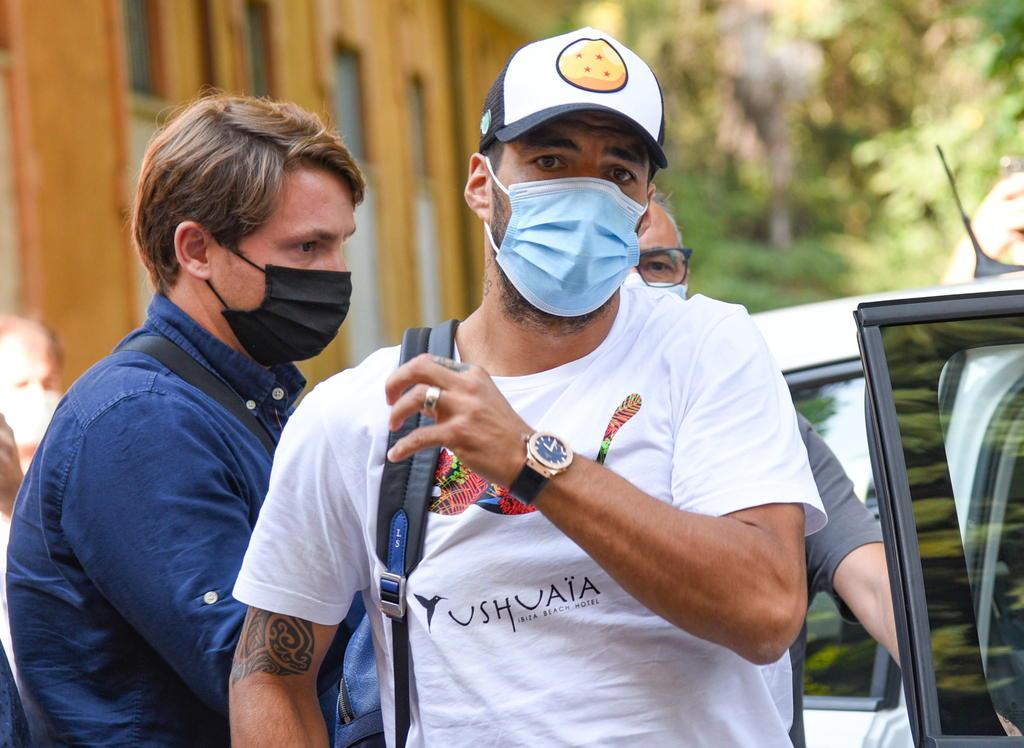 Acusan a Luis Suárez de fraude en su examen de nacionalidad italiana